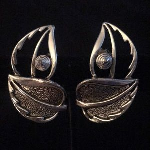 Vintage Sarah Coventry double leaf earrings